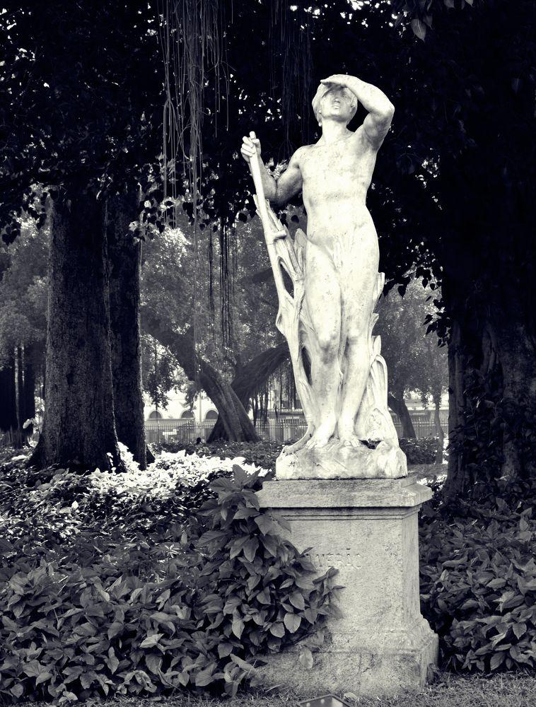 Statue  by Talita.Andrade.Fotografia