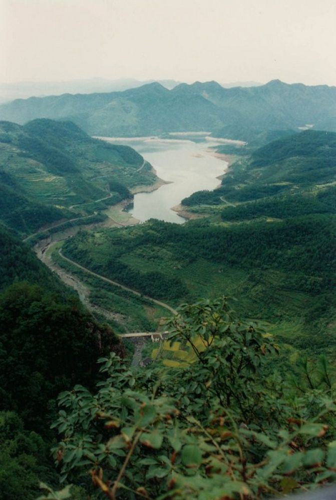 Zhejiang_Xikou_Mountains-110 by Arie Boevé