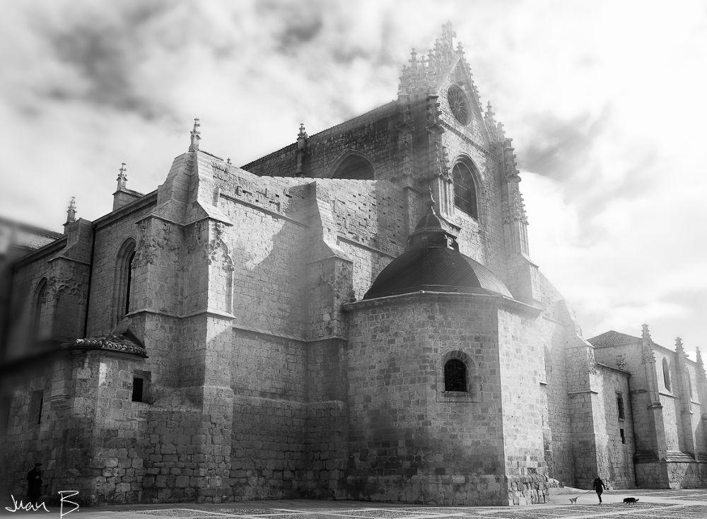 Catedral en Blanco y Negro by JuanBlancoPhotography
