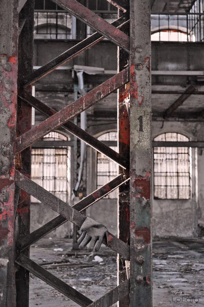 Industrial reD by Lorenzo careggio