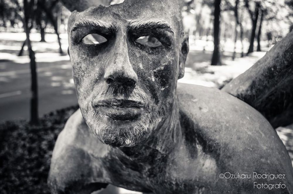 Photo in Street Photography #marin #escultura #bronce