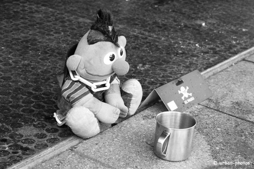 Ernie in Hamburg by urban photos