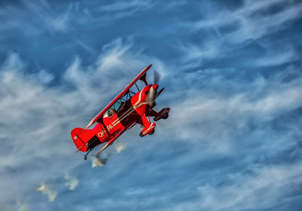 Through the air by paraneva