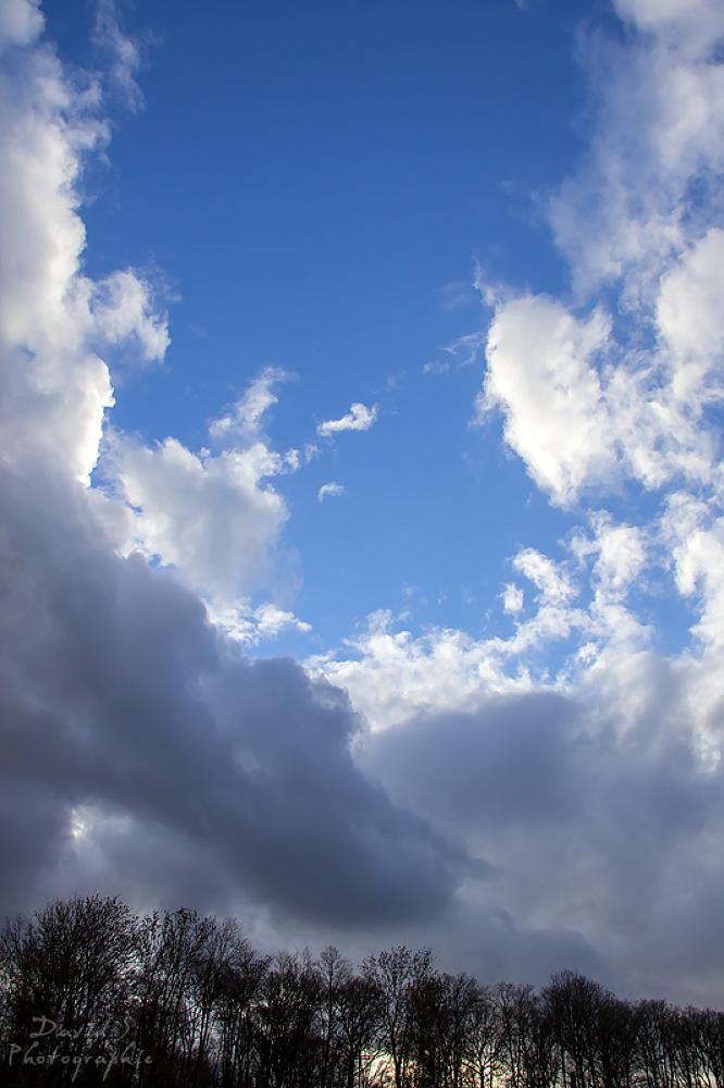 Bright sky by David Salobir
