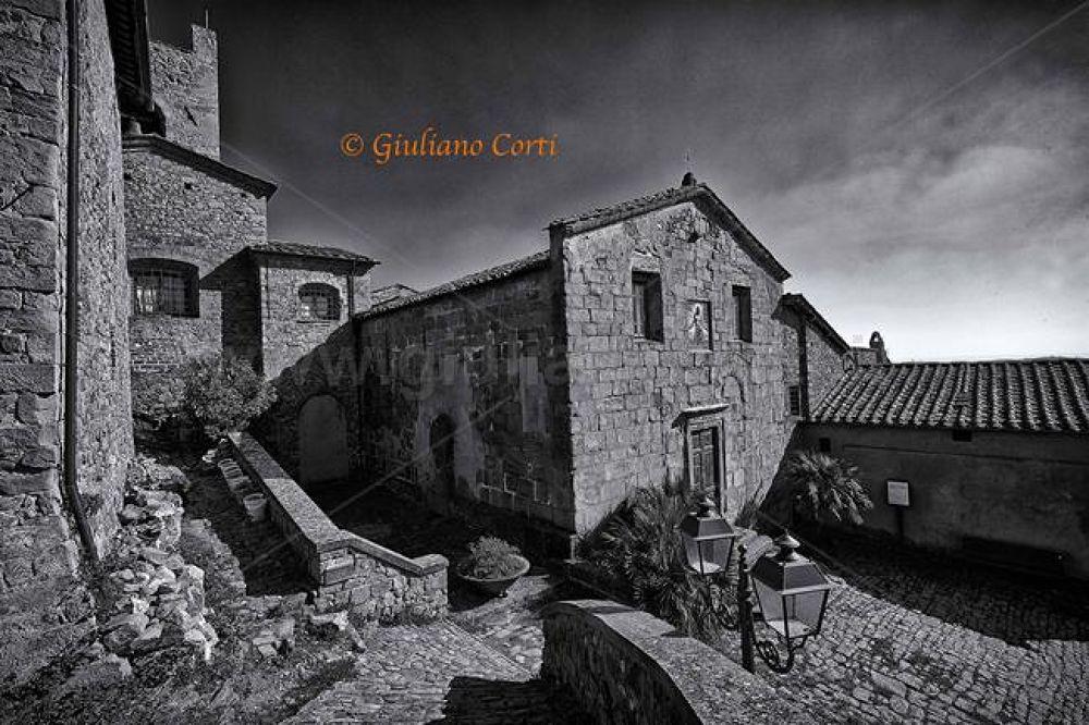 Collodi Castello.jpg by Giuliano_Corti
