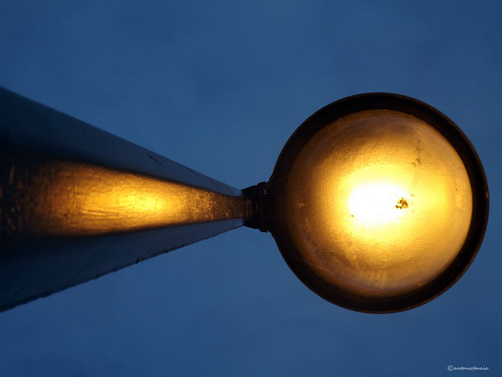 Bright lights... by Antonio F. Maia