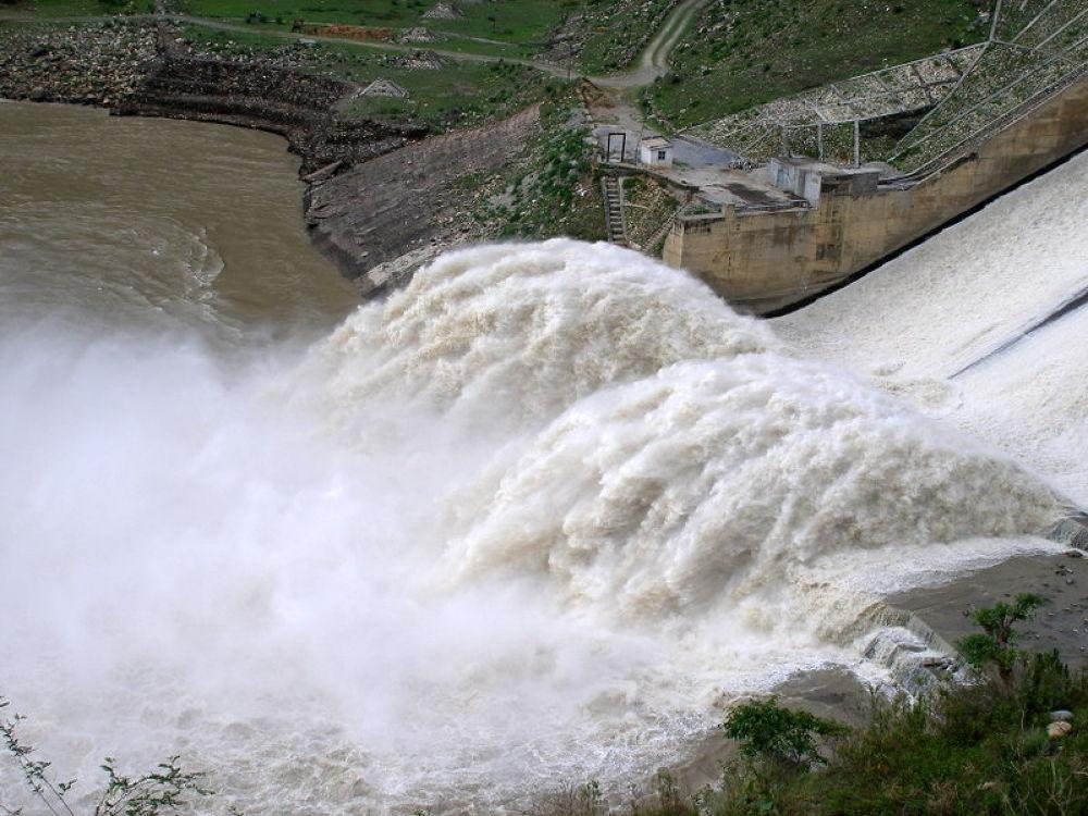 P1010012........... hydrolic power dam ....on way to nanital ,india by kcsethi