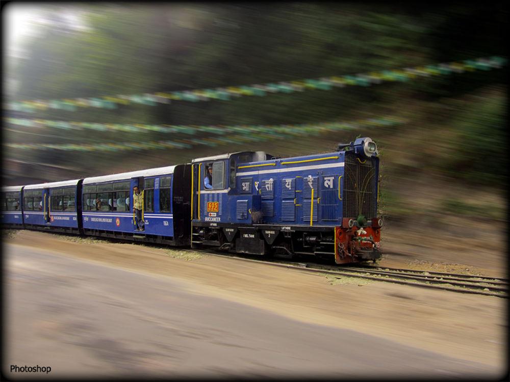 Darjeeling Himalayan Railway. by Santosh Chettri