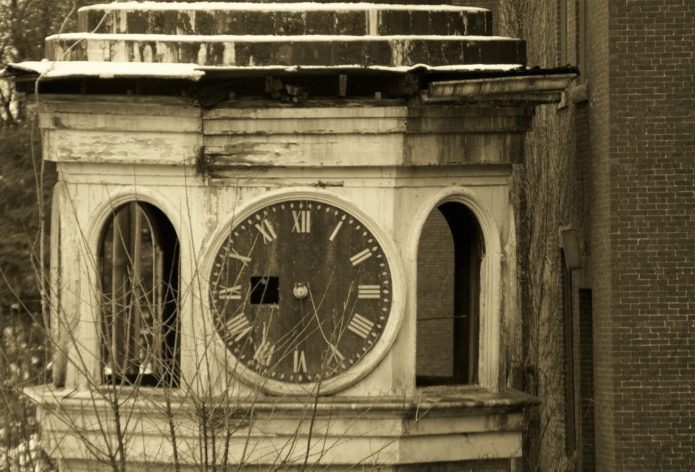 old clock tower by poolplayingirl