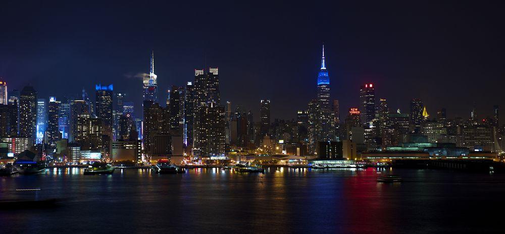 Manhattan at Midnight by Gary Esoldi