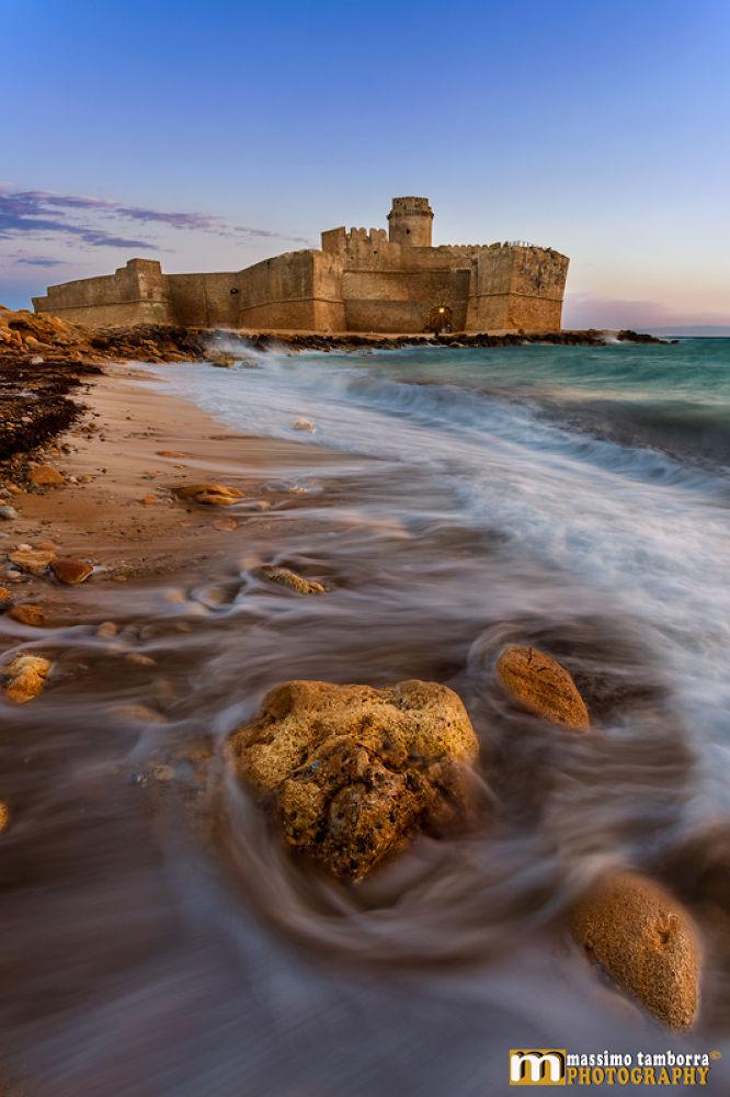 Photo in Landscape #www.massimotamborra.it #summer #sea #sunset #heart #slow motion #castle #calabria #italy