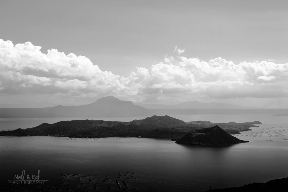 Taal Volcano Tagaytay, Philippines by Neil Ivan Malabad