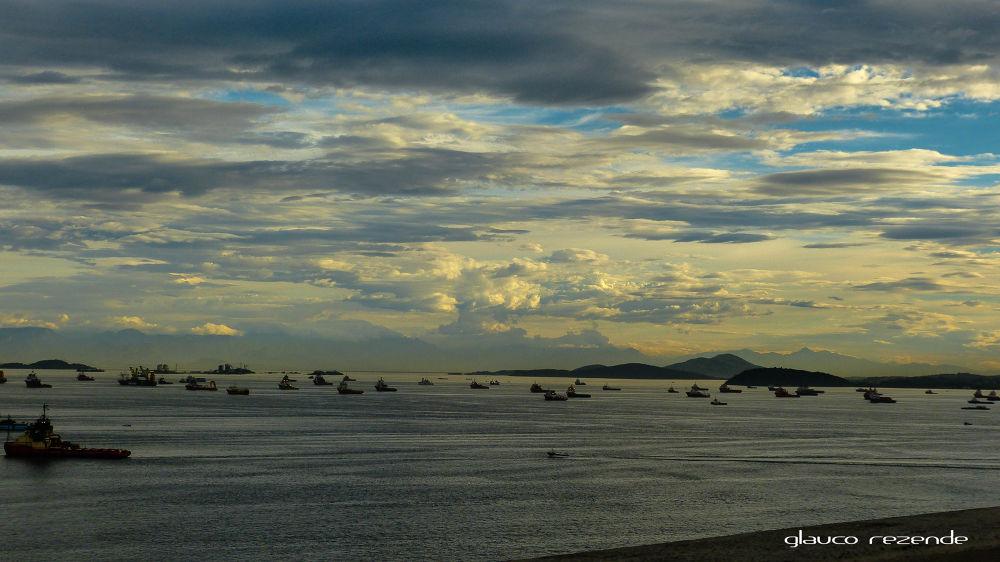 Guanabara bay by Glauco Rezende