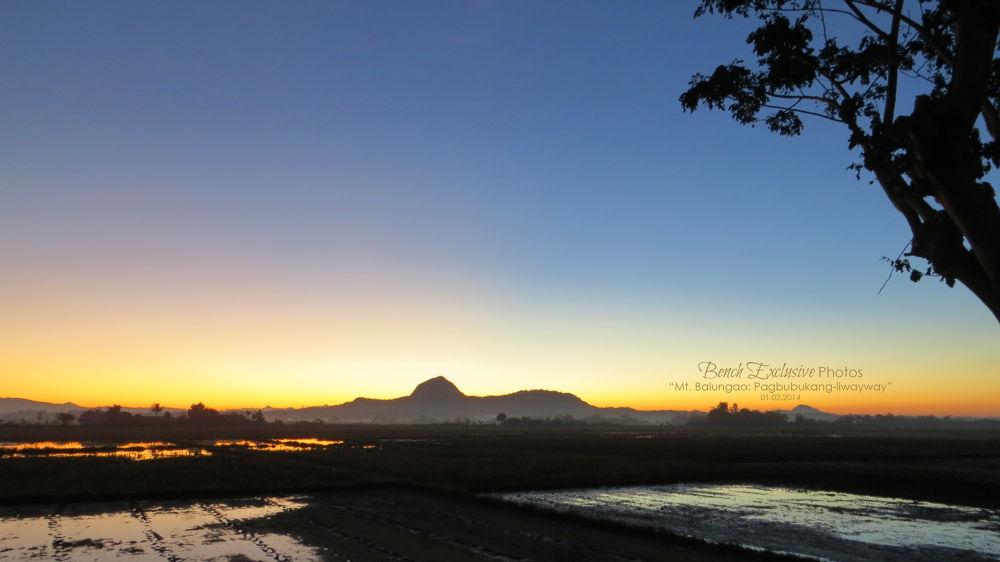 Pagbubukang-liwayway (Breaking Dawn) by Bench Bryan