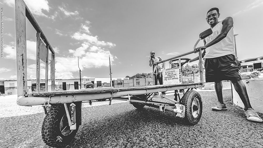 Photo in Street Photography #carrodemao #car #itaparica #vendedor #ambulante
