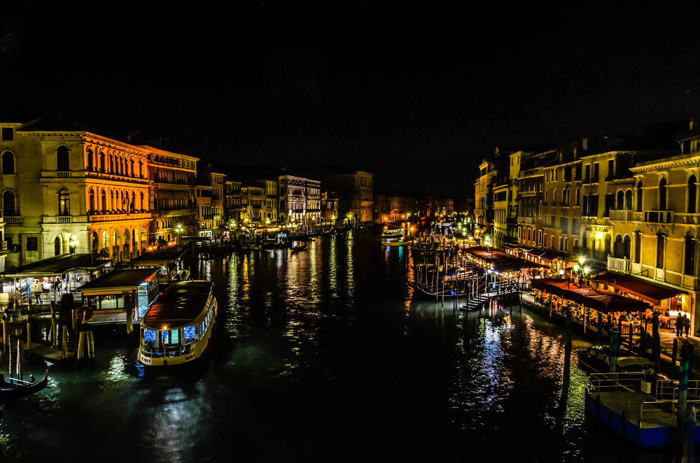 Venice at night by SwissMr