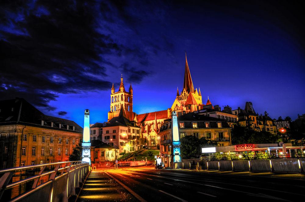 Lausanne at night by SwissMr