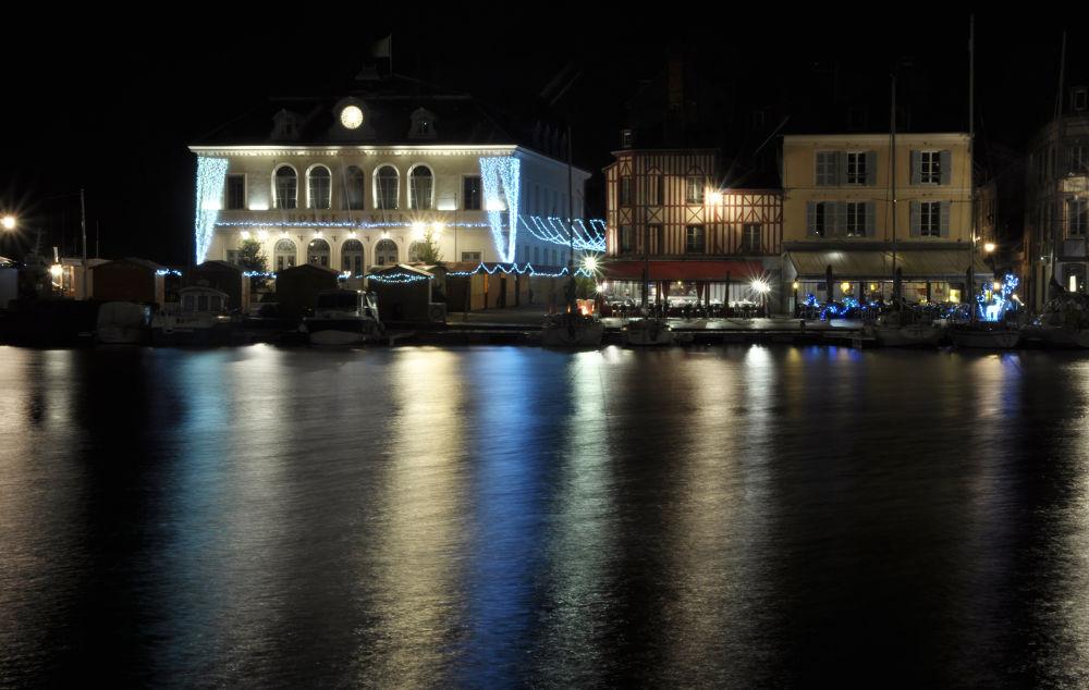 mairie d'honfleur by photoloic76