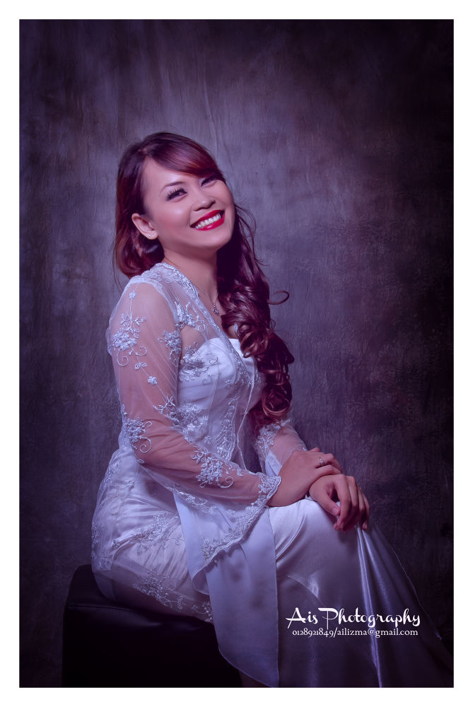 Smiling Bride by IsmaEl [Ais Photography]
