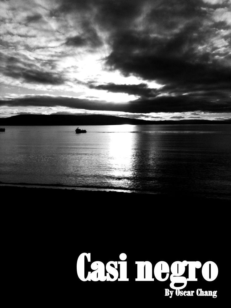 Casi negro... by Oscar Chang