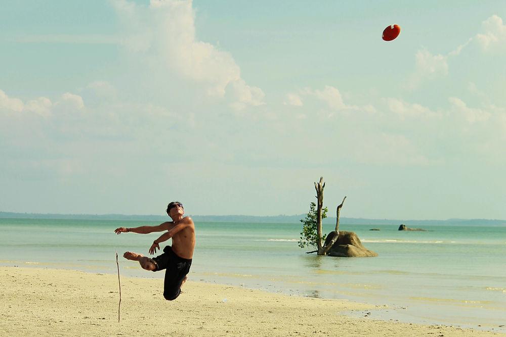 fly so high by Fenda Robbayani
