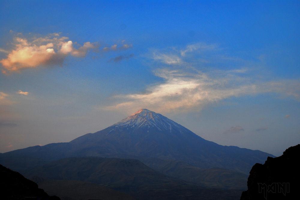 Damavand peak by manib676