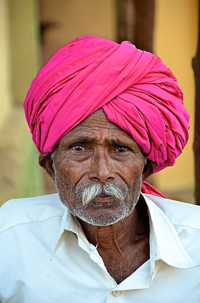 Photo in People #man #mumbia #hindu #hindi #new bombay #india #pink