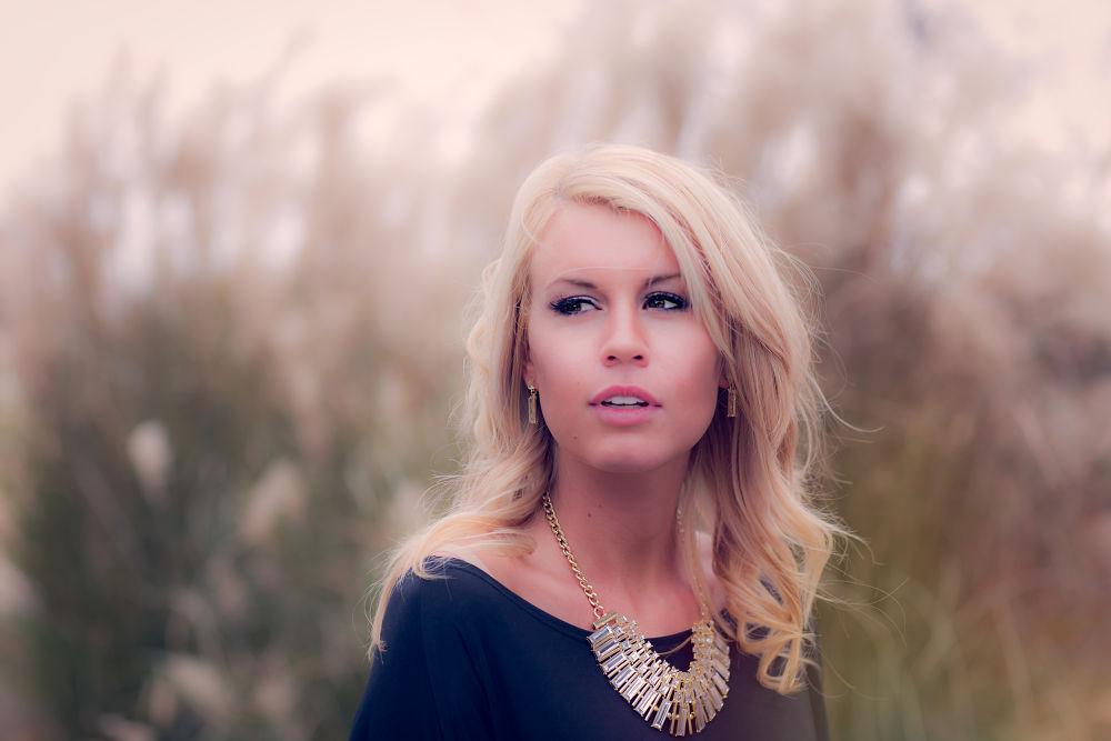 Photo in Portrait #gold #urbanprairiephotography #pretty #jewelry #clothing #fashion #women