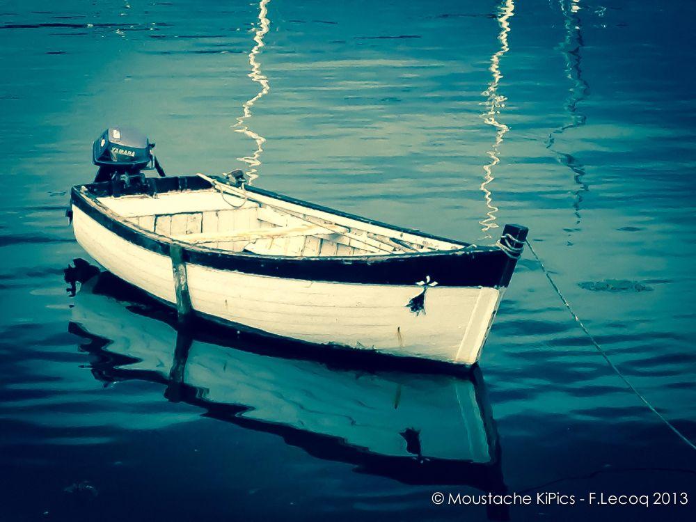 Photo in Sea and Sand #sea #sand #barque #boat #blue #concarneau #bretagne #finistère #france