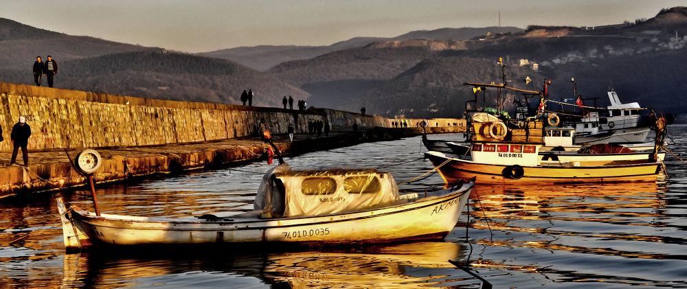 pier by Güven Orman