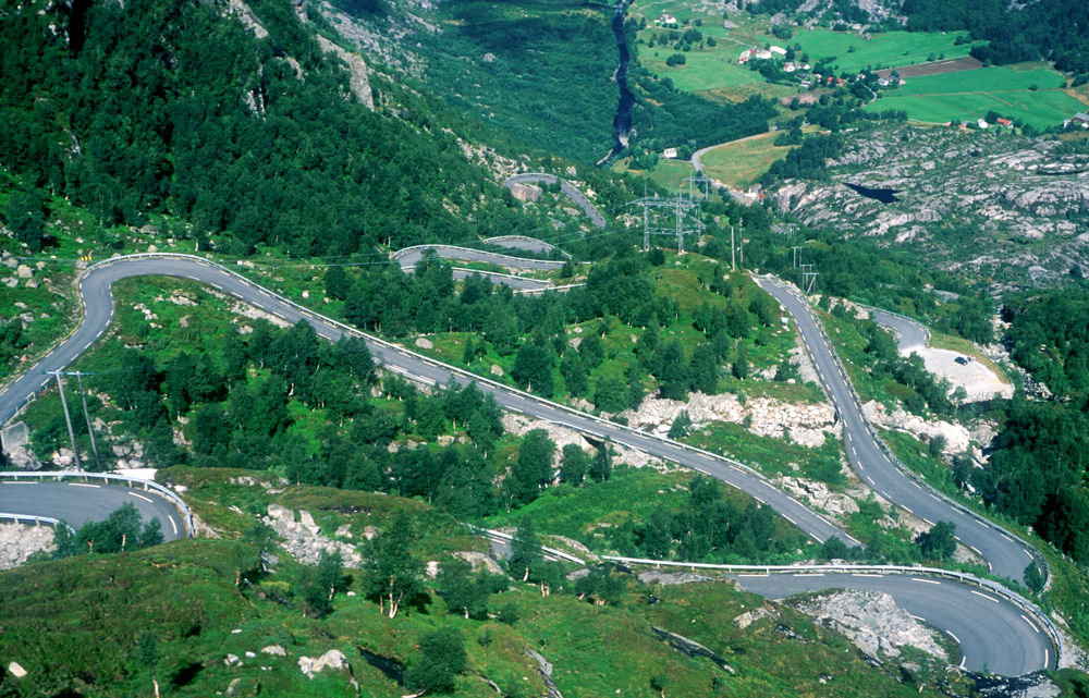 Norwegian Highway by Håkon Torgersen