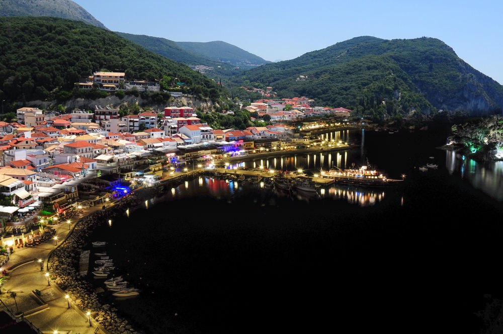 Parga by night. And day... by Håkon Torgersen
