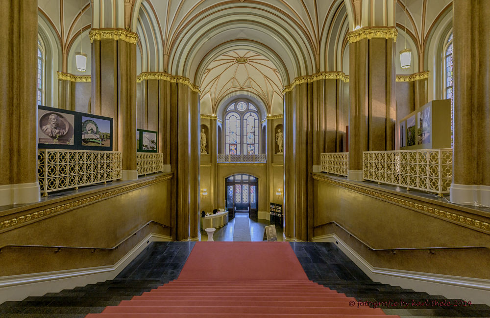 staircase red townhall berlin by karl hotz-thelen