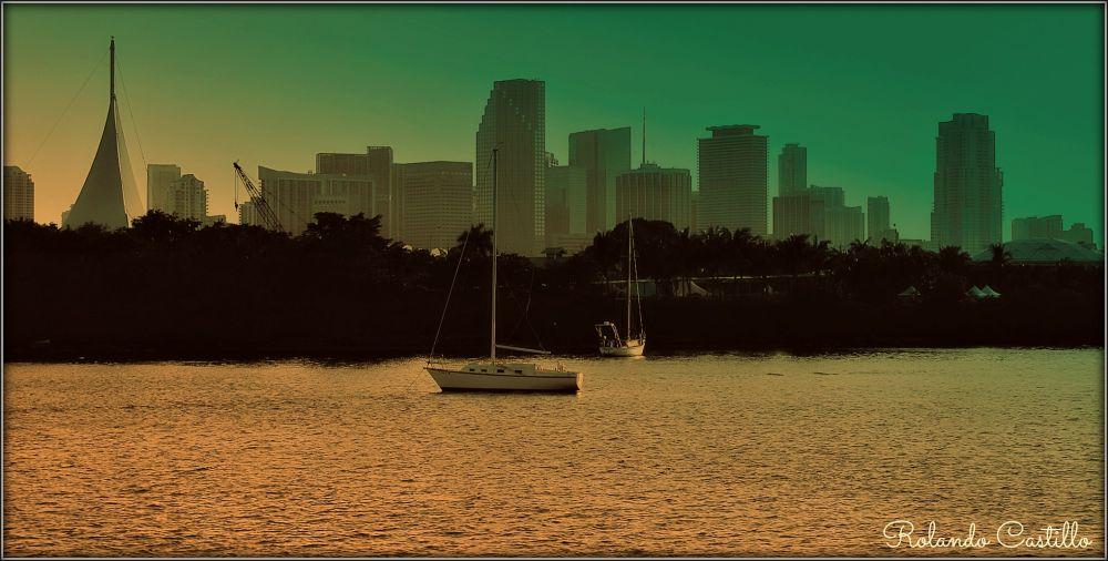 City & Sea by rolandcas