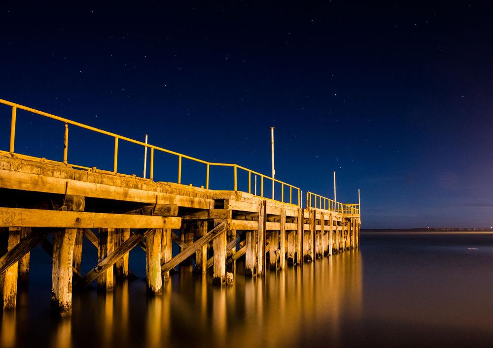 Peaceful night - Puerto Deseado - Patagonia Argentina by jcombina