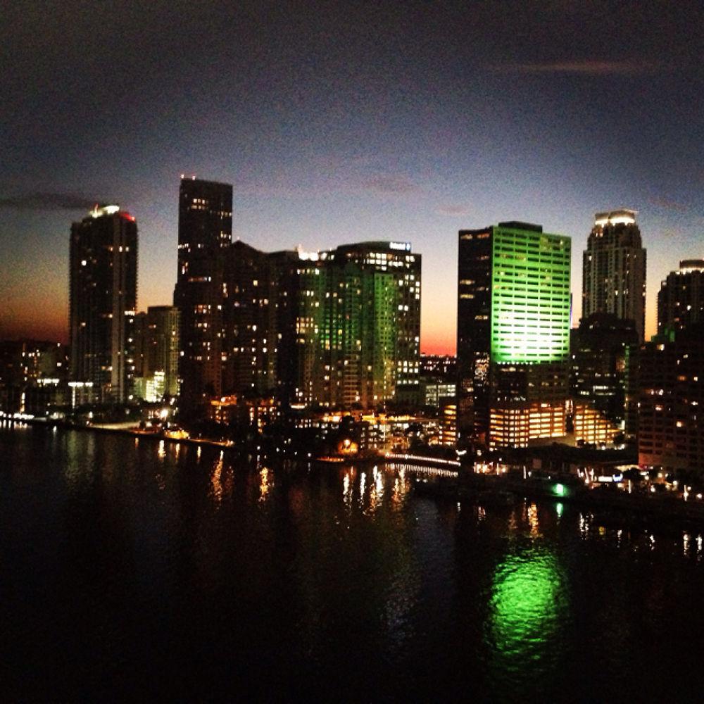 Miami Lights by estee_co