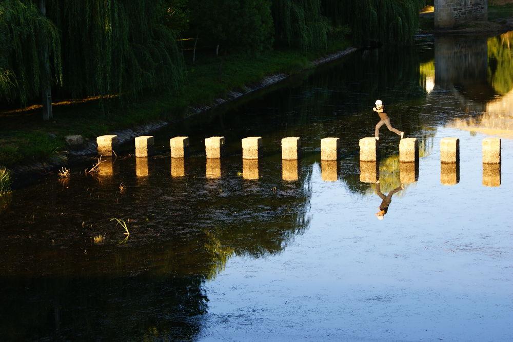 river crossing by Eduardo Guerra