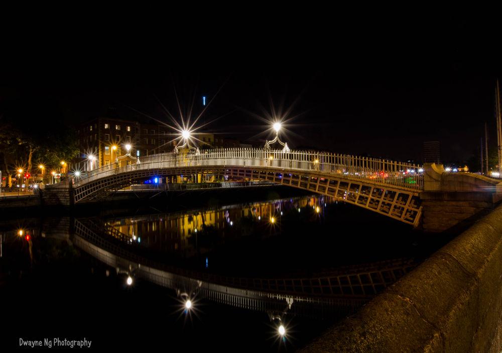 Ha'Penny Bridge by Dwayne Ng