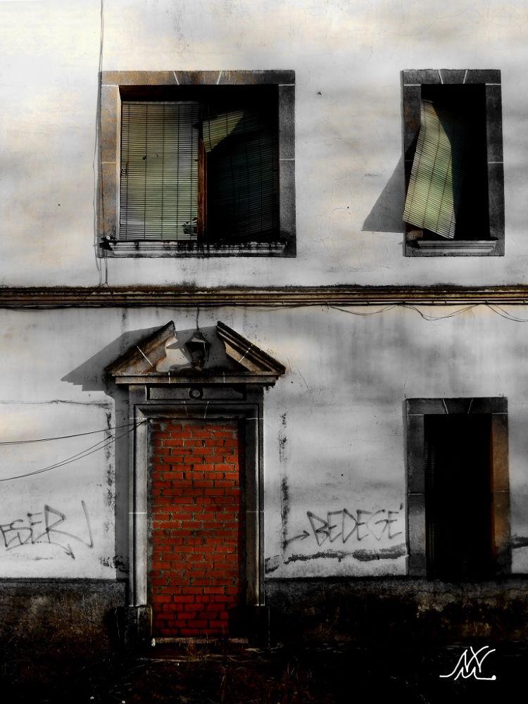 Photo in Fine Art #edificios #ruina #expresión #tristeza