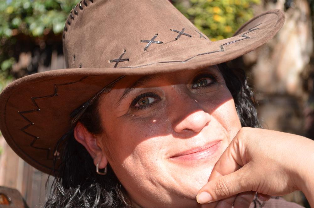 Cowgirl by Hugo Vila