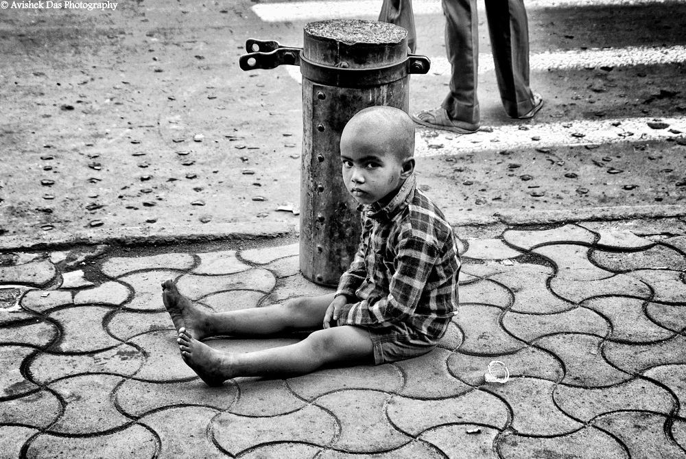 I am alone by Avishek Das