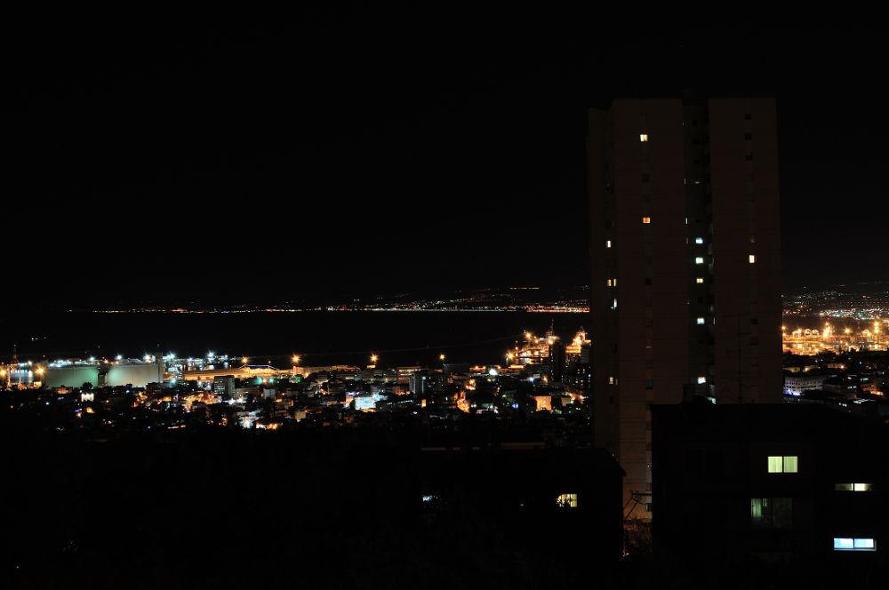 DSC_0180 haifa by night by lollopirex