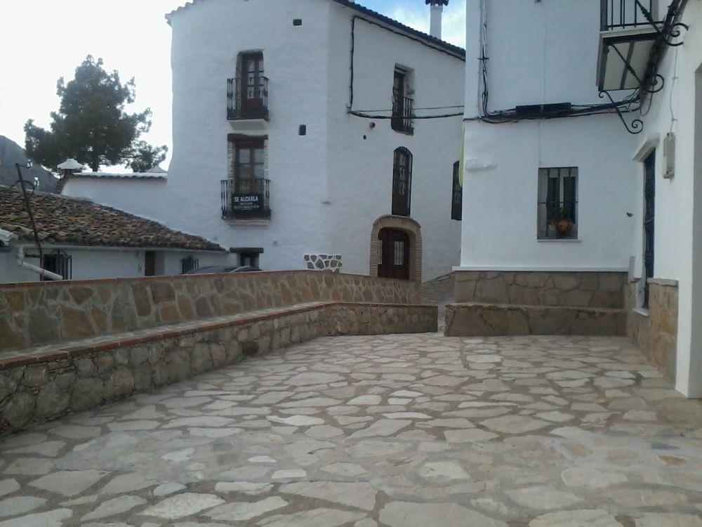 La plazoleta by Anagrjuly