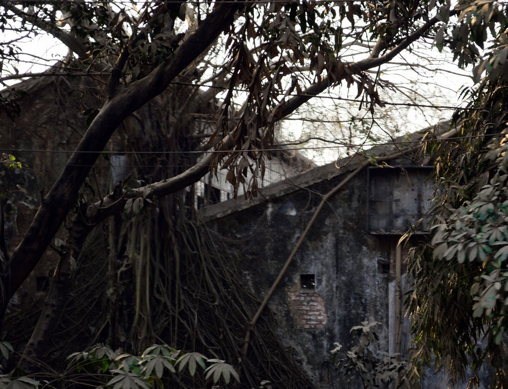 old building by mithunn chakraborty