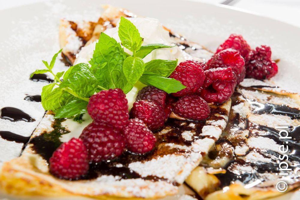 deser, naleśniki / dessert crepes by Adam Kolaśniewski
