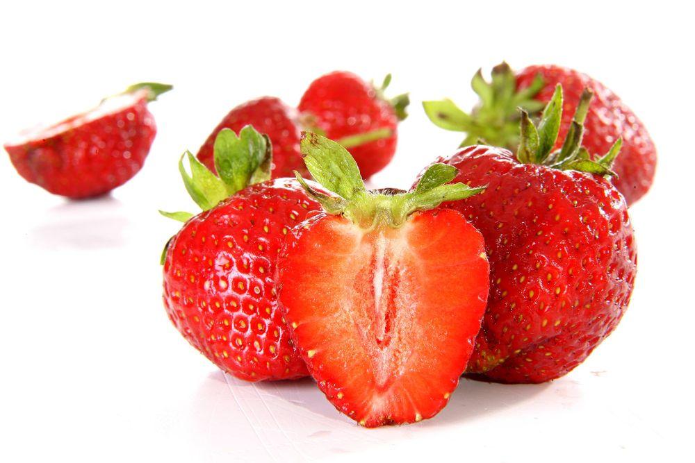 truskawki / strawberries by Adam Kolaśniewski