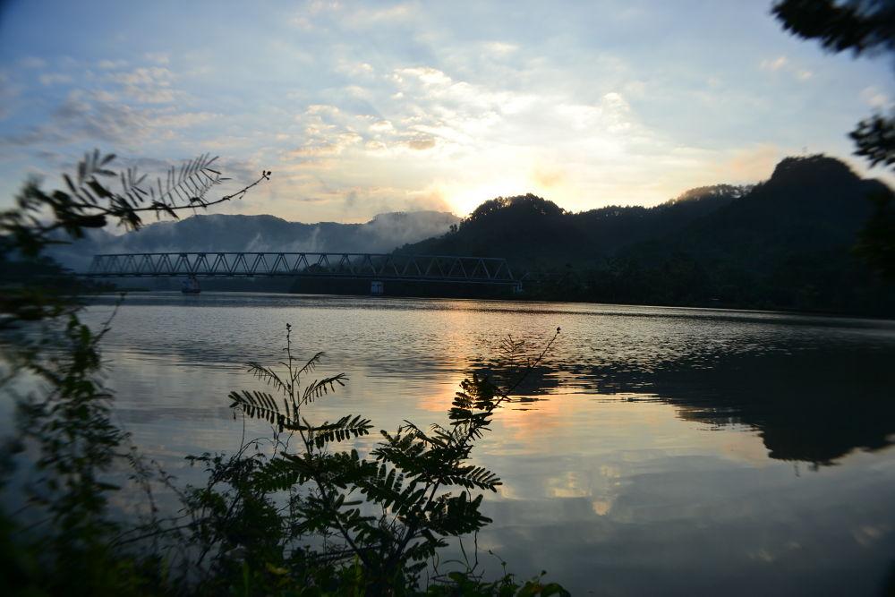 # Sungai Serayu Disuatu Pagi # by Dewa Kelana VR