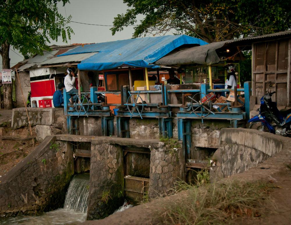 tangerang indonesia by w_wigley