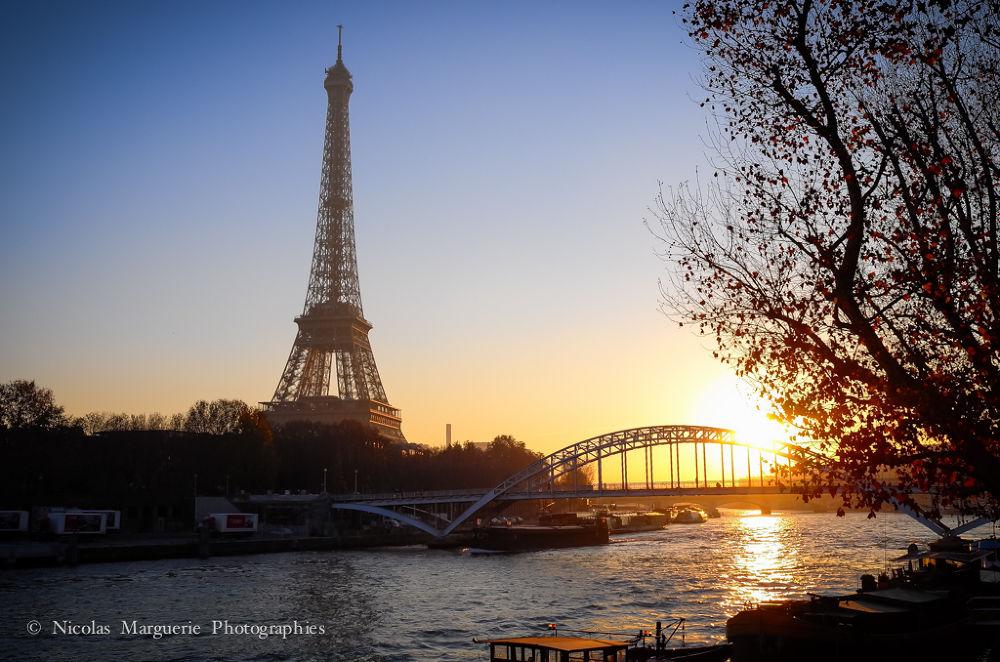 Paris, Coucher de Soleil Sur La Tour Eiffel by Nicolas Marguerie Photographies