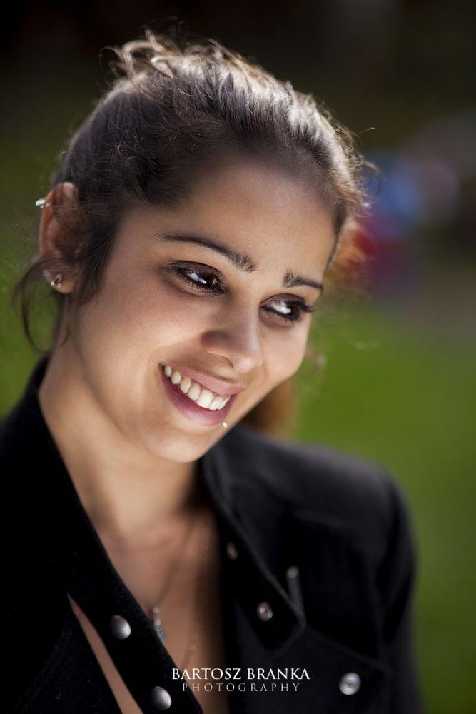 Photo in Portrait #woman #outdoor #portrait #beauty #beautiful #canon #green #background